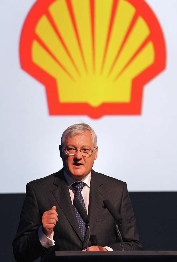 Shell's Chief Executive Officer Peter Voser addresses the audience during the opening ceremonies for Motiva's Crude Expansion Project in Port Arthur on Thursday. Photo taken Thursday, May 31, 2012 Guiseppe Barranco/The Enterprise Photo: Guiseppe Barranco / The Beaumont Enterprise
