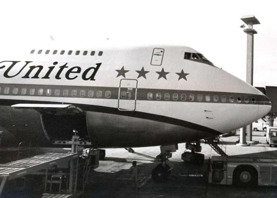 A United Airlines Boeing 747 is parked at Honolulu International Airport in 1973. United got its first 747 on May 18, 1970. Photo: Hawaii Aviation