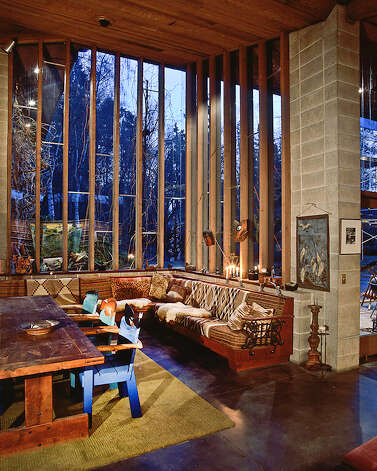 Tour a frank lloyd wright home in lakewood - Frank lloyd wright house interiors ...