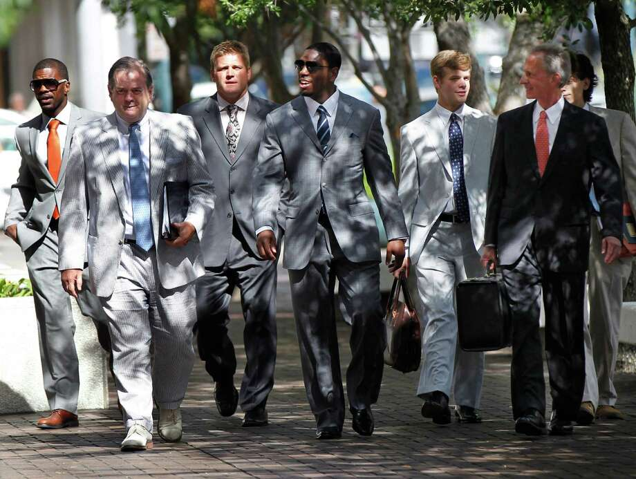 Jonathan Vilma, second from right, didn't get a decision from the judge Thursday as he sought a temporary restraining order on his Saints suspension. Photo: Gerald Herbert / AP