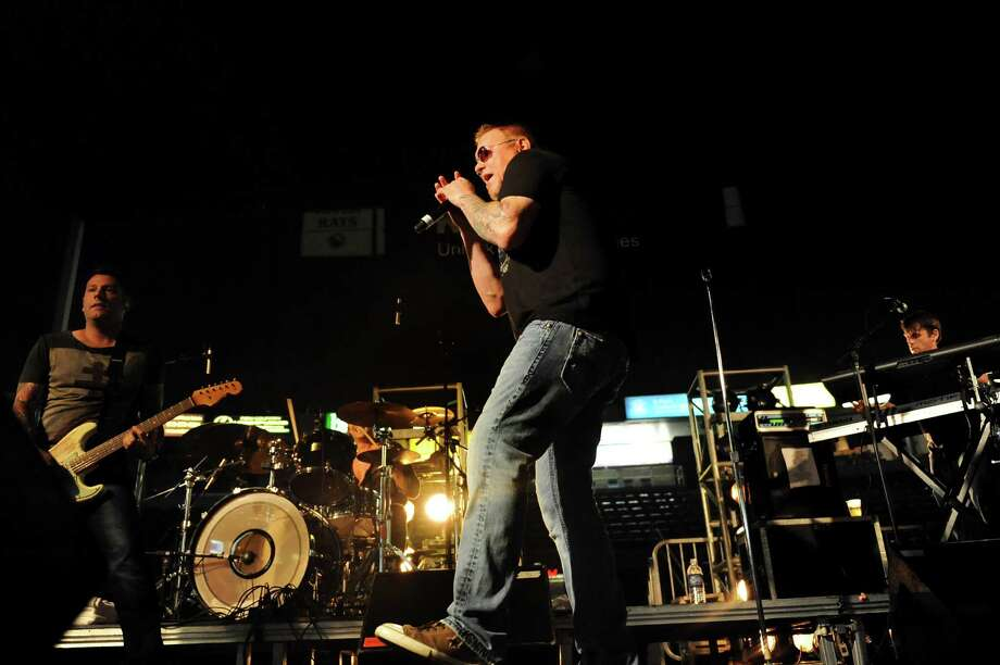 Lead singer Steve Harwell, center, performs with Smash Mouth at Alive at Five on Thursday, July 26, 2012, at Times Union Center in Albany, N.Y. (Cindy Schultz / Times Union) Photo: Cindy Schultz / 00018607A