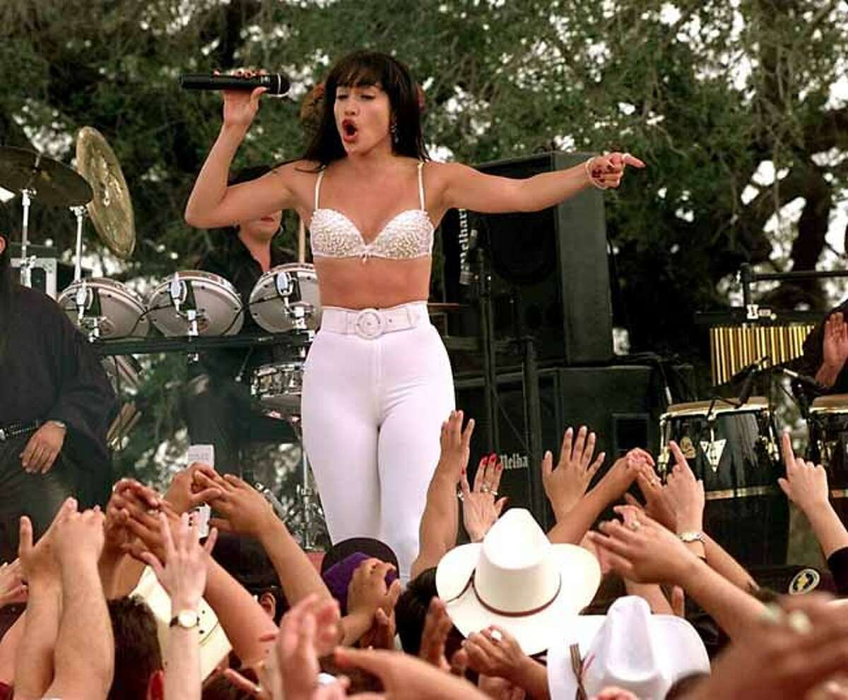 2.The movie, Selena, was the only other film in Hollywood history aside from Gone With the Wind to have such a large amount of hopefuls show up to the open casting call. 21,000 actresses showed up to audition for the role of Selena.