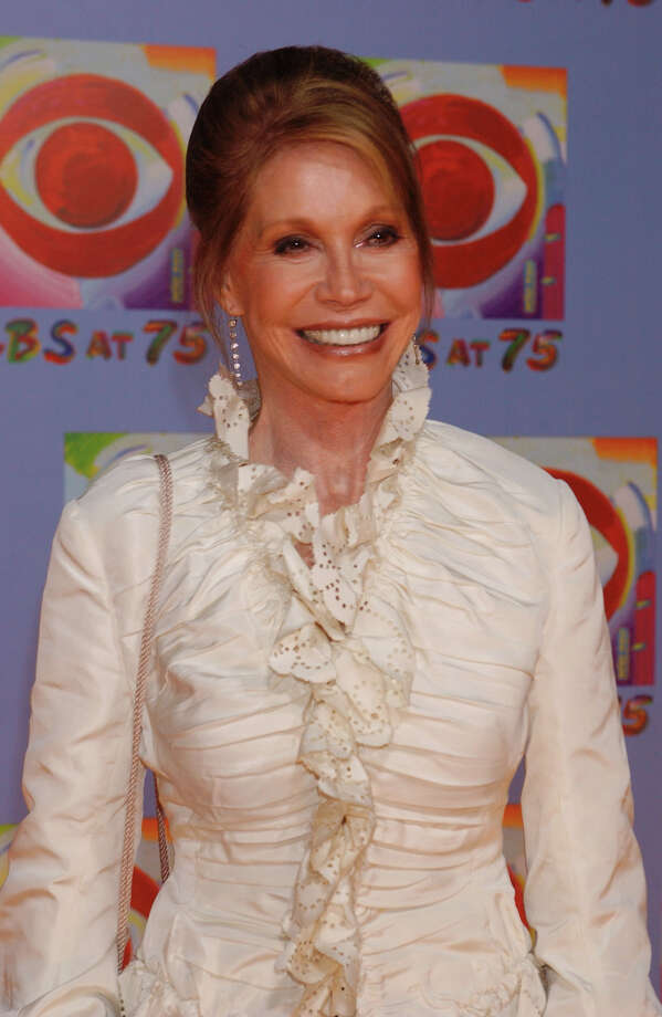 Actress Mary Tyler Moore arrives at CBS's 75th anniversary celebration Sunday, Nov. 2, 2003, in New York.  (AP Photo/Louis Lanzano) Photo: LOUIS LANZANO, STR / AP
