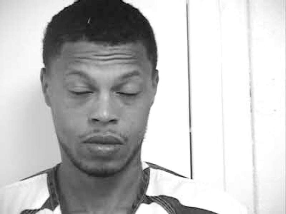 Hardin County's Most Wanted, July 27, 2012 - Donovon Donte Tyler, B/M, 27 years of age, Last Known Address: 1133 North 3rd Street. Silsbee, Texas, Wanted for Manufacture/Delivery of a Controlled Substance MTRP - Felony Photo: Hardin County Sheriff's Office, HCN_Wanted072712