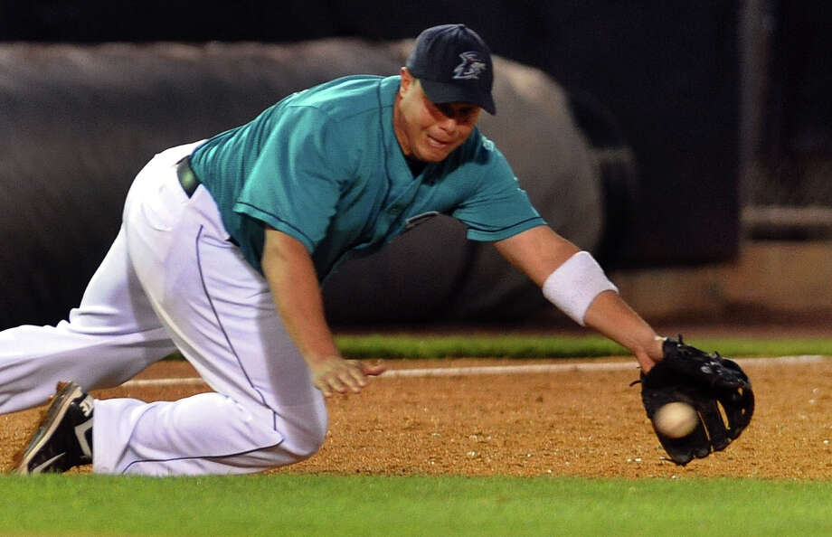 Bluefish's Luis Lopez in action during Bluefish baseball action against the Long Island Ducks at the Ballpark at Harbor Yard in downtown Bridgeport, Conn. on Friday July 27, 2012. Photo: Christian Abraham / Connecticut Post