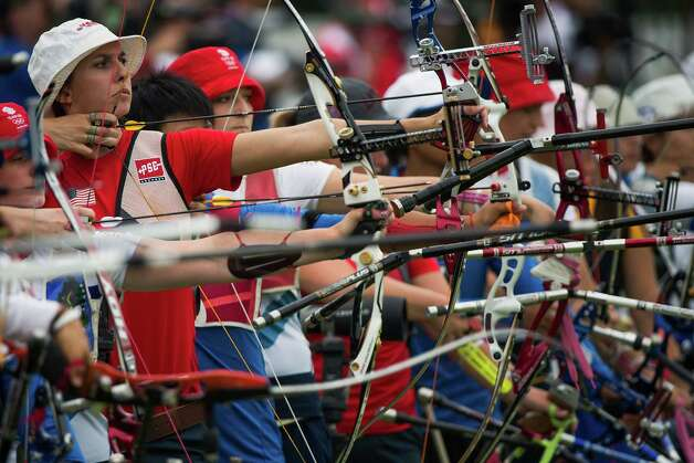 USA's Jennifer Nichols takes aim during the women's archery ranking round at the 2012 London Olympics on Friday, July 27, 2012. Photo: Smiley N. Pool, Houston Chronicle / © 2012  Houston Chronicle