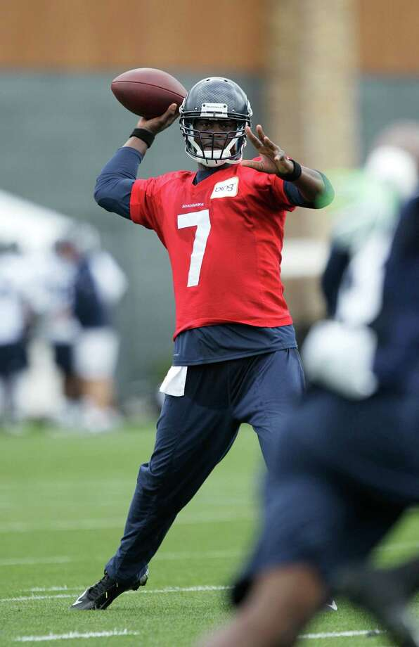 Seahawks quarterback Tavaris Jackson passes. Photo: AP