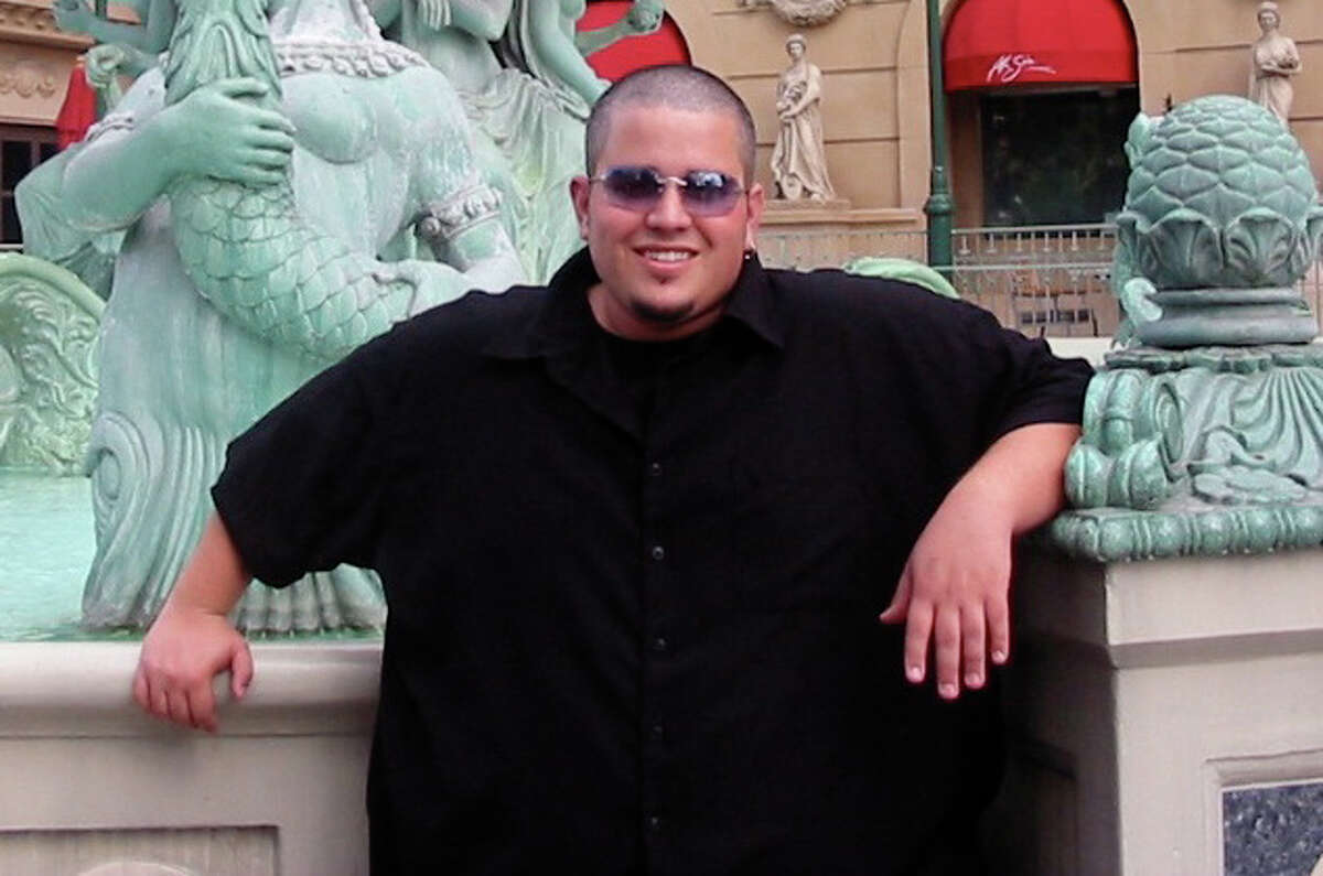 Philip McCluskey shown in 2004 at Caesar's Palace Las Vegas Hotel & Casino when he weighed 400 pounds.