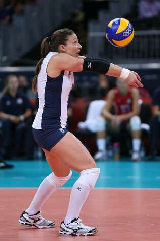 Nicole Davis of United States returns the ball in the Women's Volleyball Preliminary match between the United States and Brazil on Day 3 of the London 2012 Olympic Games at Earls Court on July 30, 2012 in London, England. (Elsa / Getty Images)