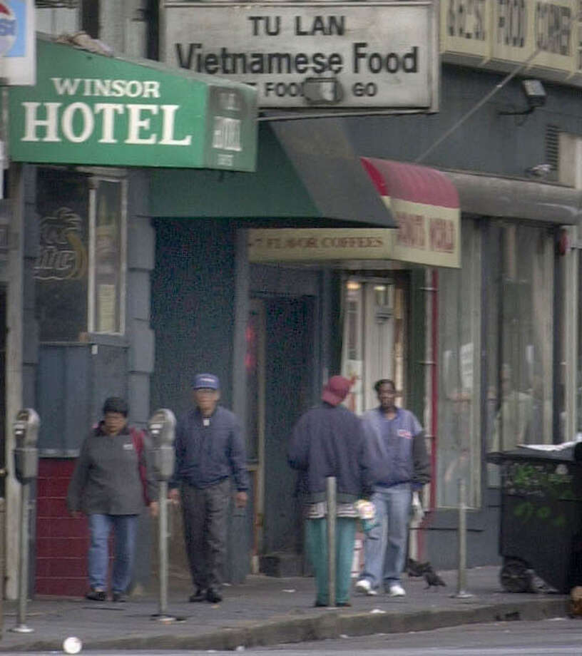 In this file photo, Tu Lan has been a fixture on Sixth Street in San Francisco for decades. Photo: CRAIG LEE, Craig Lee / The Chronicle / CHRONICLE