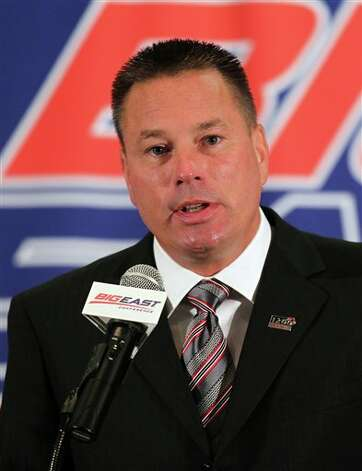 Cincinnati head football coach Butch Jones talks with the media during the Big East Conference NCAA college football media day, Tuesday, July 31, 2012, Newport, R.I. (AP Photo/Stew Milne)