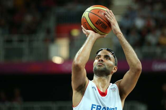 Tony Parker #9 of France shoots a free throw in the Men's Basketball Preliminary Round match between France and Argentina on Day 4 of the London 2012 Olympic Games at Basketball Arena on July 31, 2012 in London, England. (Christian Petersen / Getty Images)