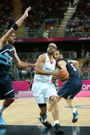 Tony Parker #9 of France derives in the Men's Basketball Preliminary Round match between France and Argentina on Day 4 of the London 2012 Olympic Games at Basketball Arena on July 31, 2012 in London, England. (Christian Petersen / Getty Images)