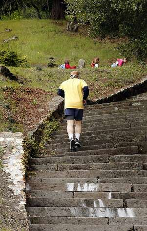 Woodminster Cascades stairway: Solid, steep stairs attract workout enthusiasts in Joaquin Miller Park in Oakland. Photo: Siana Hristova, The Chronicle