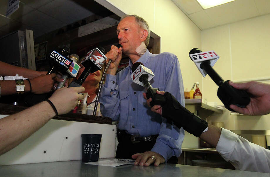 Texas Senator Jeff Wentworth addresses supporters at Chester's Hamburgers while awaiting results from the District 25 runoff election on Tuesday, July 31, 2012. Wentworth lost the race to Dr. Donna Campbell. Wentworth, 71, served in the Texas House since 1988. He has been a state senator since 1993. Photo: Kin Man Hui, SAN ANTONIO EXPRESS-NEWS / ©2012 San Antonio Express-News