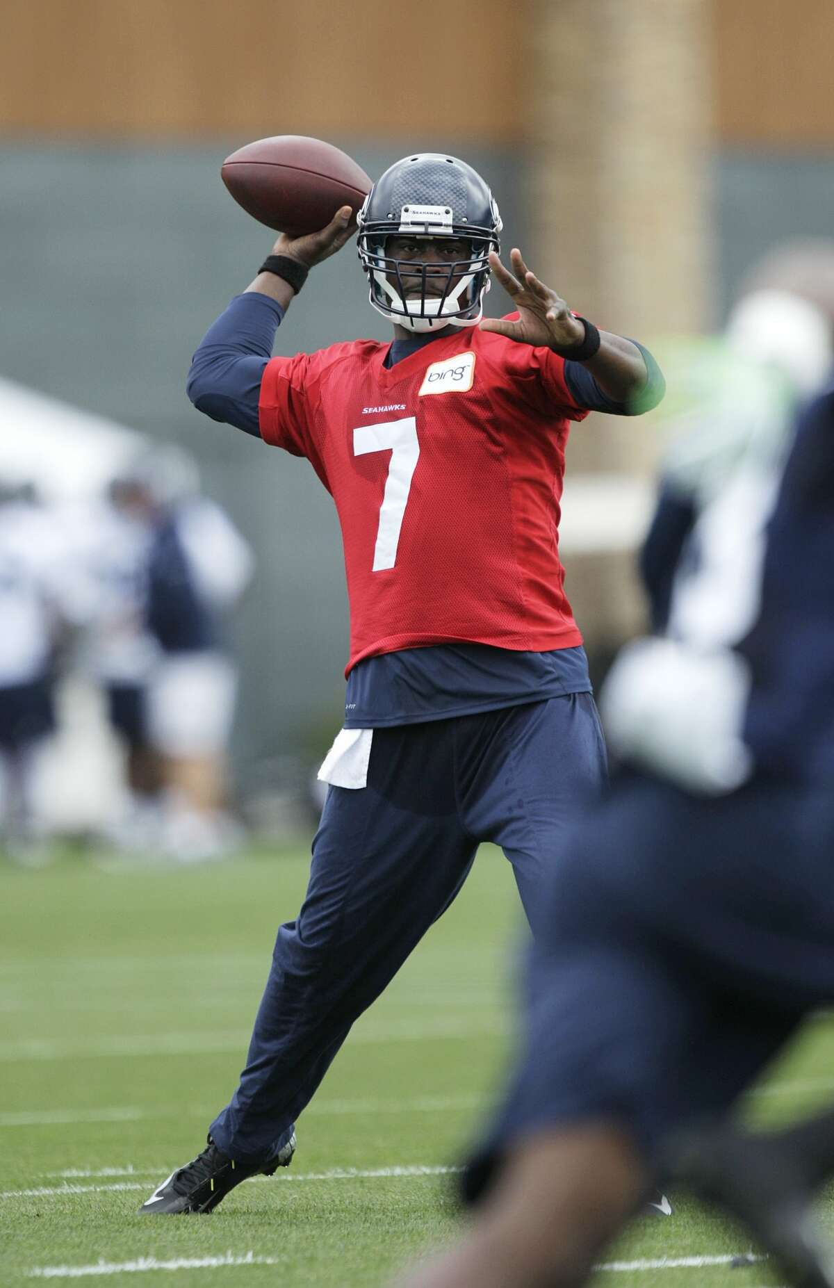 Seattle Seahawks quarterback Tavaris Jackson passes Saturday, July 28, 2012, on the first day of Seattle Seahawks NFL football training camp in Renton, Wash. (AP Photo/Ted S. Warren) (AP)