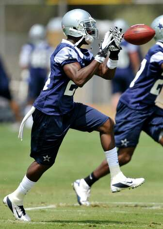 Dallas Cowboys cornerback Morris Claiborne makes a reception during a drill at NFL training camp, Tuesday, July 31, 2012, in Oxnard, Calif. (AP Photo/Gus Ruelas) Photo: Gus Ruelas, Gus Ruelas, Associated Press / FR157633 AP