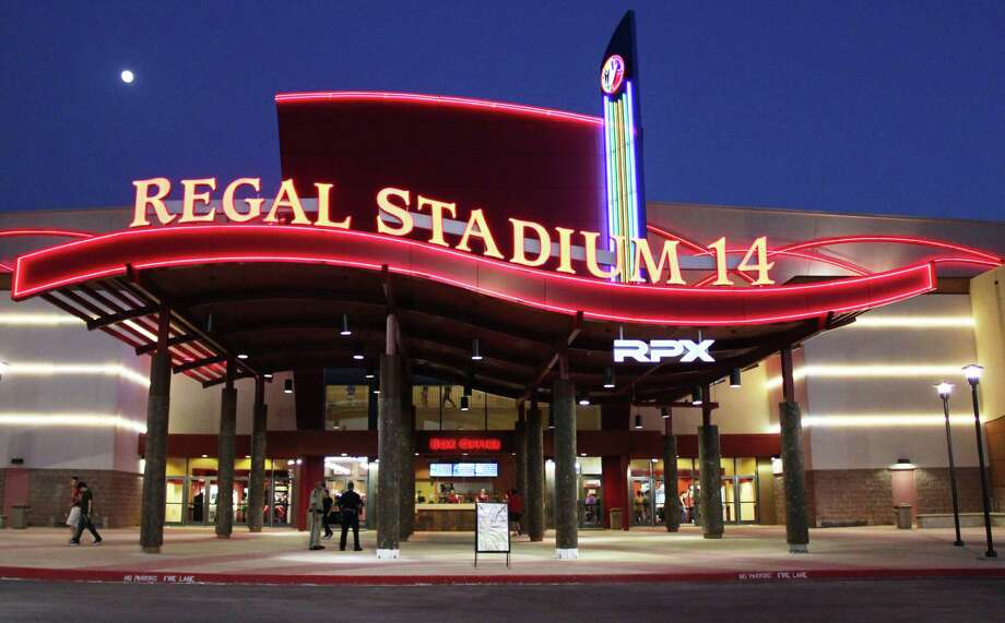 Front view of the new Huebner Oaks 14 theater, renovated by Regal Cinemas and reopened Aug. 3, 2012 Photo: Courtesy Photo