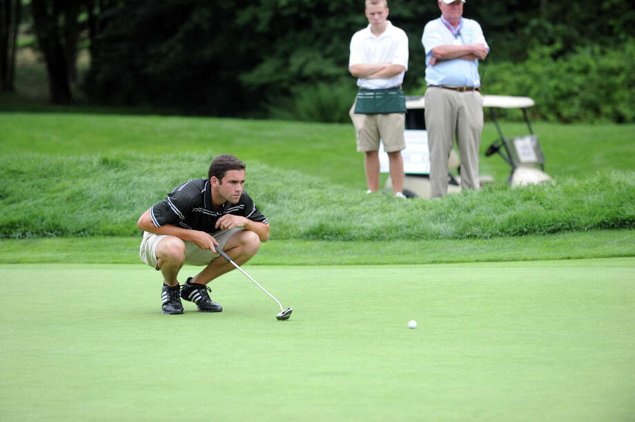 Jeffrey Hatten lines up a putt as he works toward a tie for fourth during the 78th Connecticut Open Championship at Wee Burn Country Club in Darien, Conn., August 1, 2012. Photo: Keelin Daly / Stamford Advocate