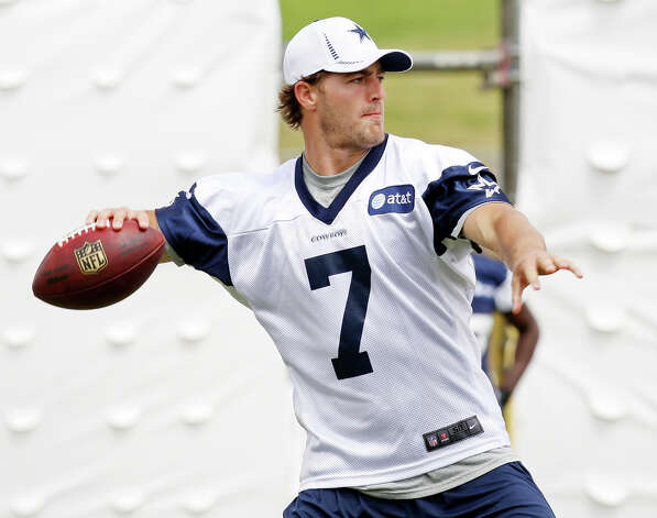 Dallas Cowboys quarterback Stephen McGee looks to pass during 2012 training camp held Wednesday Aug 1, 2012 in Oxnard, CA. Photo: Edward A. Ornelas, San Antonio Express-News / © 2012 San Antonio Express-News
