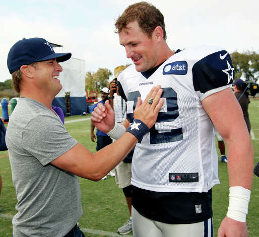 Actor George Eads (left) and Dallas Cowboys tight end Jason Witten talk after practice during the 2012 training camp held Wednesday Aug 1, 2012 in Oxnard, CA. Photo: Edward A. Ornelas, San Antonio Express-News / © 2012 San Antonio Express-News