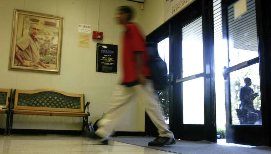 Combing through thousands of records of high schools across the country is no easy task, but the folks at Newsweek have released their annual rankings of our nation's schools. Click through to see which Texas schools made the top 500 list. Photo: KAREN WARREN, HOUSTON CHRONICLE / HOUSTON CHRONICLE