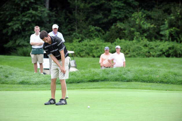 Jeffrey Hatten putts as he works toward a tie for fourth during the 78th Connecticut Open Championship at Wee Burn Country Club in Darien, Conn., August 1, 2012. Photo: Keelin Daly / Stamford Advocate