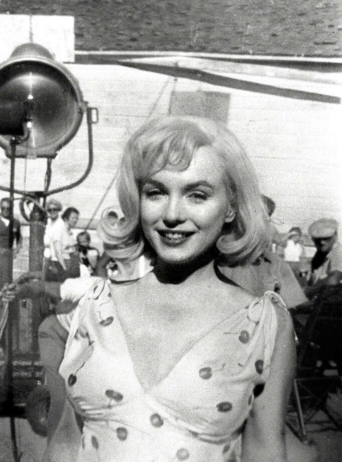 "Marilyn Monroe appears on the set of the movie ""The Misfits,"" in this August 1960 photo, made in Dayton, Nev. During filming in the Reno area, Monroe's frequent tardiness caused annoying delays for co-stars Clark Gable and Montgomery Clift, and director John Huston. Photo: MARILYN NEWTON, AP / RENO GAZETTE-JOURNAL"