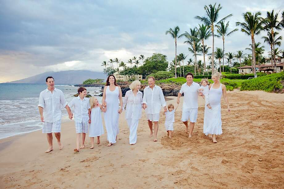 The Del Grande family in Hawaii: Rick Sanguinetti (from left), Joey Sanguinetti, Mia Sanguinetti, Alicia Del Grande Sanguinetti, Anita Del Grande, Kevan Del Grande, Bryce Del Grande, Shaun Del Grande, Tucker Del Grande and Penny Del Grande. Photo: Mariah Milan