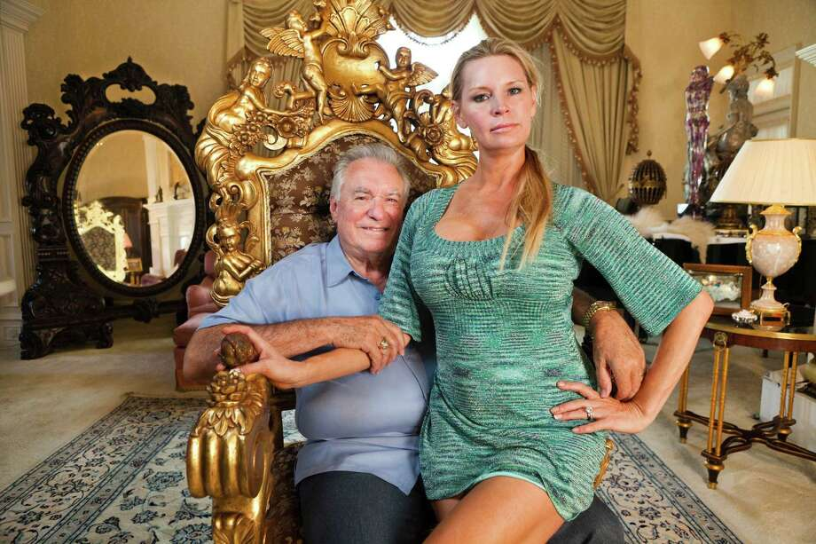 David and Jackie Siegel in THE QUEEN OF VERSAILLES, a Magnolia Pictures release. Photo courtesy of Magnolia Pictures. Photo: Lauren Greenfield / ONLINE_YES