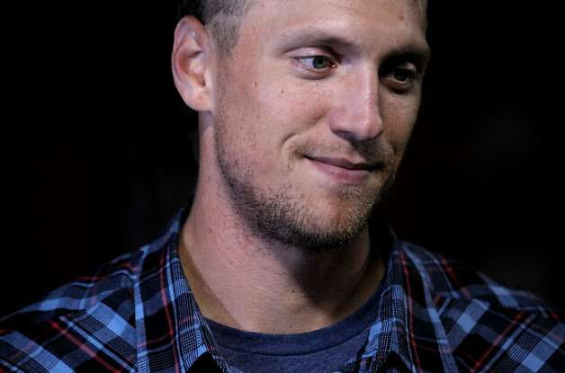 San Francisco Giants new player' Hunter Pence walked into the dugout to sign autographs for waiting fans after the Giants beat the New York Mets 4-1in San Francisco Tuesday, July 31, 2012.  Pence was acquired in a trade Monday by the Giants for Nate Schierholtz and two minor league prospects and is expected to suit up Wednesday night. Photo: Lance Iversen, The Chronicle
