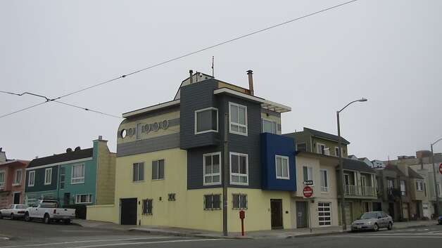 When a 1950s house was updated in 1992 on the Great Highway at Taraval Street across from Ocean Beach, the architects gave it a whimsical nautical tone that's a contrast to other nearby homes. Photo: John King, San Francisco Chronicle