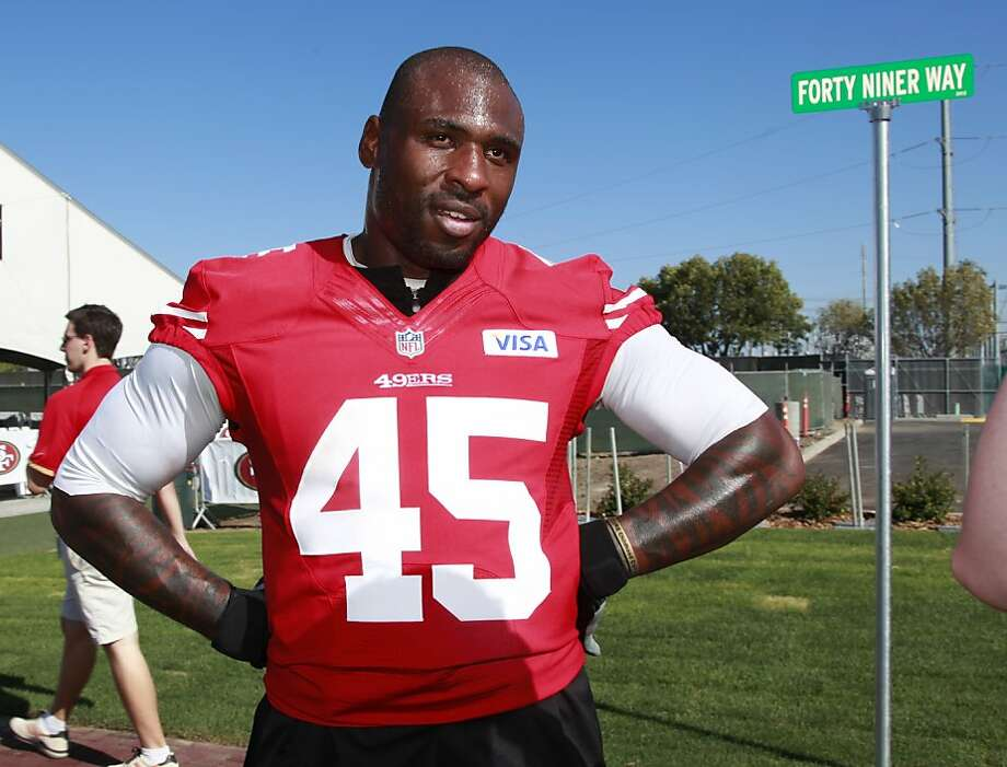 Brandon Jacobs, who hasn't played since injuring his knee in an Aug. 18 preseason game, is a short-yardage specialist. Photo: Paul Sakuma, Associated Press