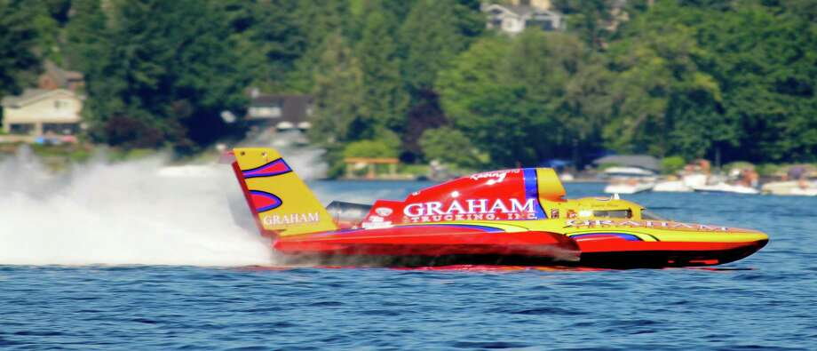 Jimmy Shane drives the Graham Trucking hydroplane in a 148.981-second qualifying heat for the Albert Lee Cup at Seafair. Photo: LINDSEY WASSON  / SEATTLEPI.COM