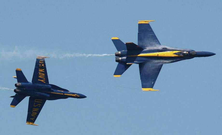 The Blue Angels perform over Lake Washington. Photo: JOSHUA TRUJILLO / SEATTLEPI.COM