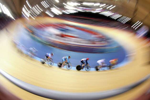 Action during the Men's Omnium Track Cycling 30km Points Race at Velodrome. Photo: Cameron Spencer, Getty Images / 2012 Getty Images