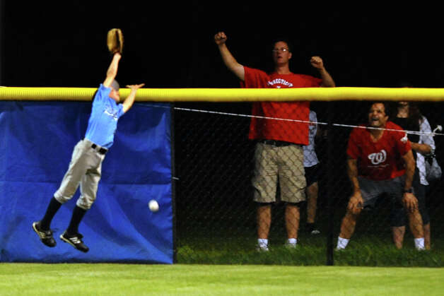 Highlights from 2012 Little League Baseball Eastern Regional action between Connecticut and Vermont in Bristol, Conn. on Saturday August 4, 2012. Photo: Christian Abraham / Connecticut Post
