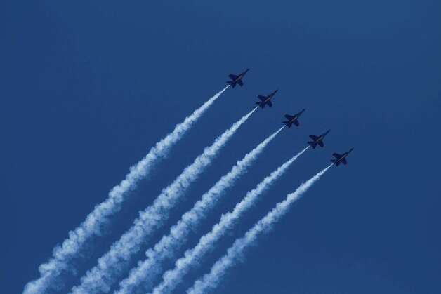 The Blue Angels fly over Lake Washington during Seafair on Saturday, Aug. 4, 2012. Photo: Sofia Jaramillo / SEATTLEPI.COM