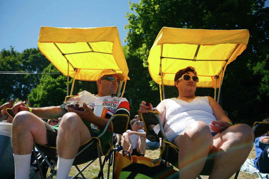 George and Martha Bennet comfortably watch Seafair from shaded chairs. Photo: Sofia Jaramillo / SEATTLEPI.COM