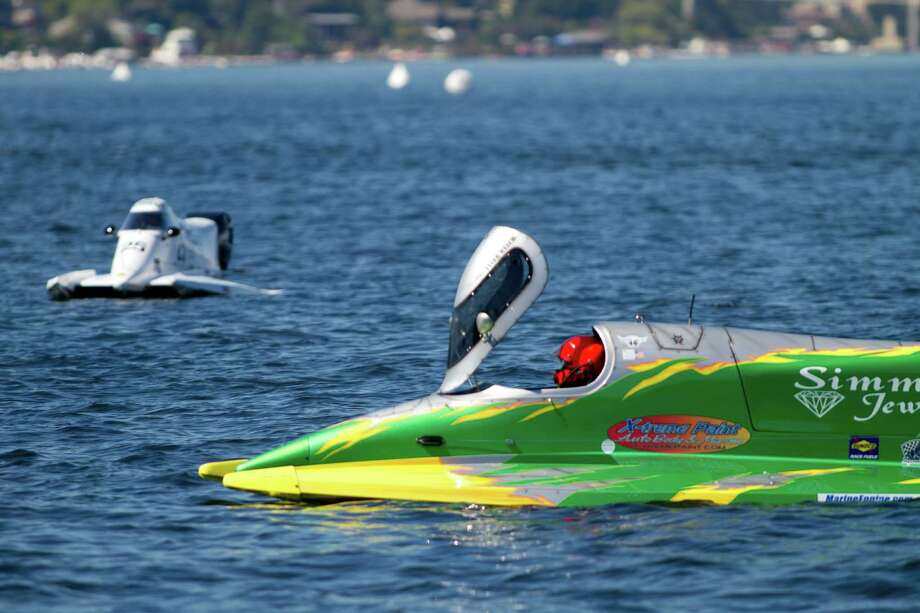 An F1 PROP boat waits before a race. Photo: Sofia Jaramillo / SEATTLEPI.COM