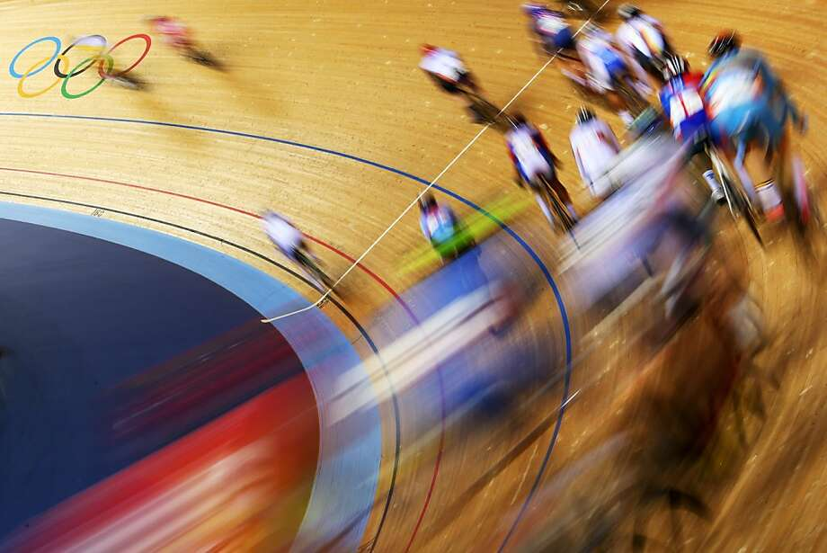 Action during the Men's Omnium Track Cycling 30km Points Race on Day 8 of the London 2012 Olympic Games at Velodrome on August 4, 2012 in London, England. Photo: Cameron Spencer, Getty Images