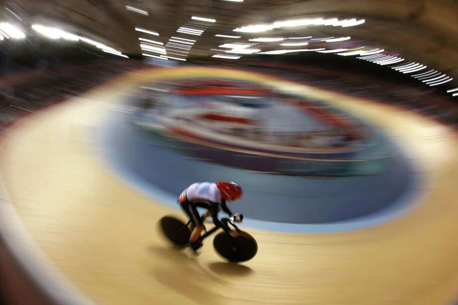 Victoria Pendleton of Great Britain competes during the Women's Sprint Track Cycling Qualifying. Photo: Jeff Gross, Getty Images / 2012 Getty Images