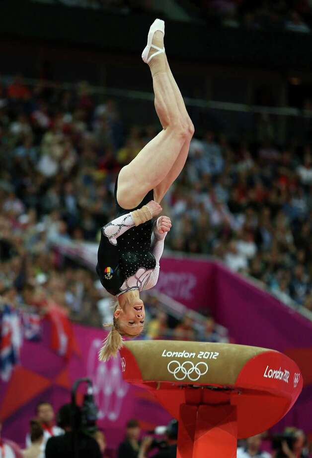 Sandra Raluca Izbasa of Romania competes in the Artistic Gymnastics Women's Vault final. Photo: Quinn Rooney, Getty Images / 2012 Getty Images