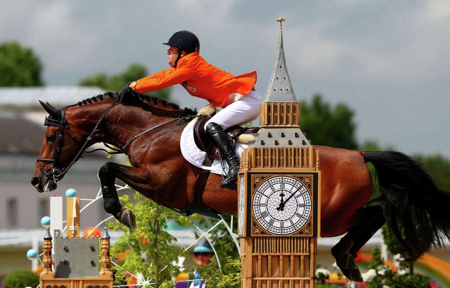 Maikel Van Der Vleuten of Netherlands riding Verdi competes in the 2nd Qualifier of Individual Jumping at Greenwich Park in London. Photo: Alex Livesey, Getty Images / 2012 Getty Images