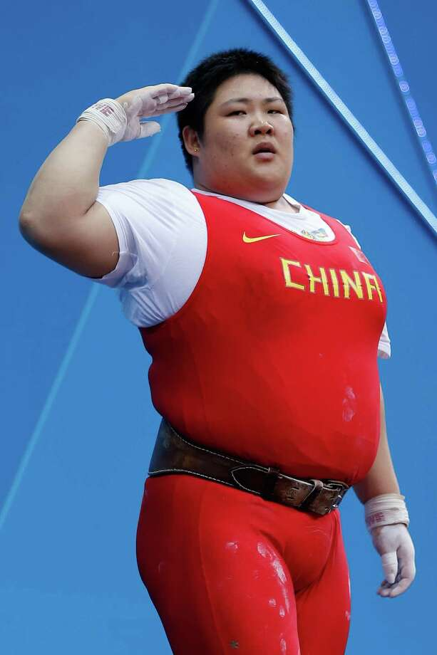 Lulu Zhou of China  during the Women's 75kg Weightlifting. Photo: Jamie Squire, Getty Images / 2012 Getty Images