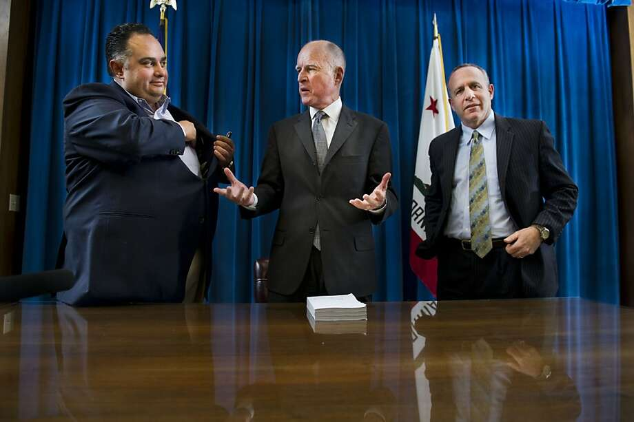 Assembly Speaker John Pérez, D-Los Angeles (left), Gov. Jerry Brown and state Senate President Pro Tem Darrell Steinberg are working on changing pension plan compensation. Photo: Hector Amezcua, Associated Press