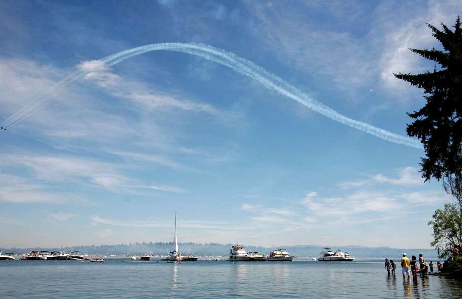 A smoke trail is shown over Lake Washington after the Blue Angels perform. Photo: Sofia Jaramillo / SEATTLEPI.COM