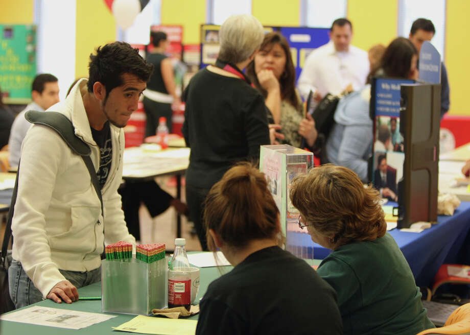 Palo Alto students attend an academic transition fair in 2009, the year enrollment in higher education  in Texas increased by 122,000 students. In 2011, that number was 47,000.