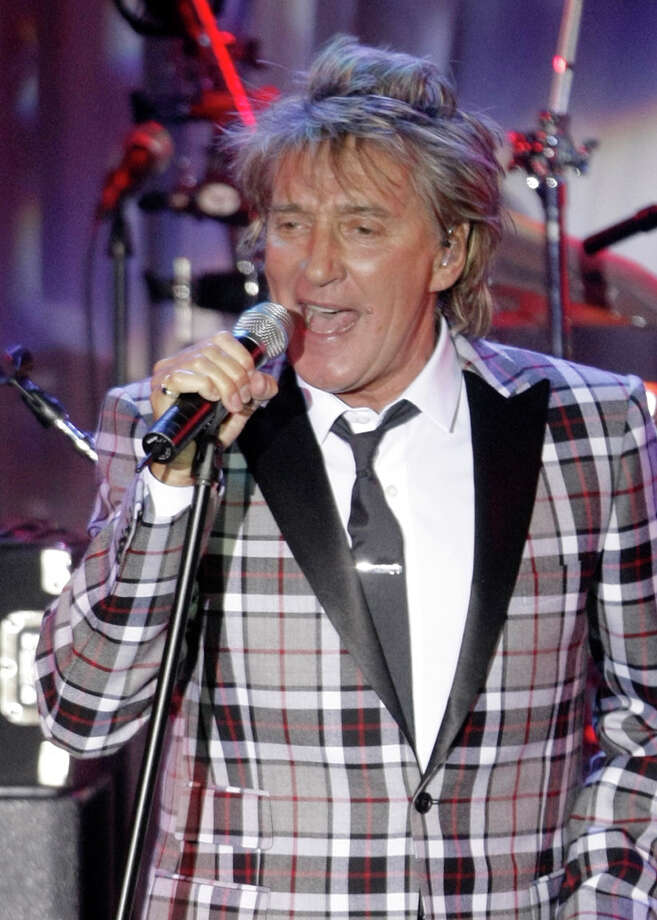 FILE - In this Feb. 7, 2009 file photo, singer Rod Stewart performs at the Clive Davis pre-Grammy party in Beverly Hills, Calif.  (AP Photo/Dan Steinberg, file) Photo: DAN STEINBERG / R-STEINBERG