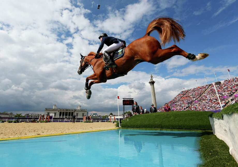 LONDON, ENGLAND - AUGUST 06: Henrik Von Eckermann of Sweden riding Allerdings competes in the 3rd Qualifier of Individual Jumping on Day 10 of the London 2012 Olympic Games at Greenwich Park on August 6, 2012 in London, England. Photo: Alex Livesey, Getty Images / 2012 Getty Images